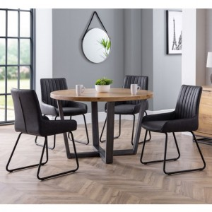 Brooklyn Round Wooden Dining Table In Oak With 4 Soho Chairs