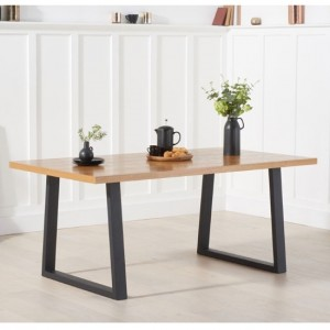 Una Rectangular Wooden Dining Table In Oak With Black Legs