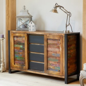 Urban Chic Wooden Sideboard With 2 Doors And 4 Drawers
